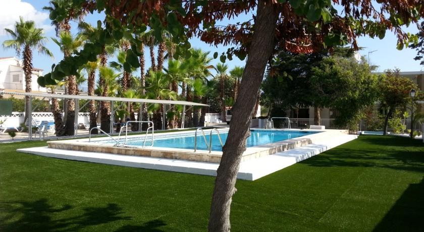Despedida de soltera en Benidorm, Resort