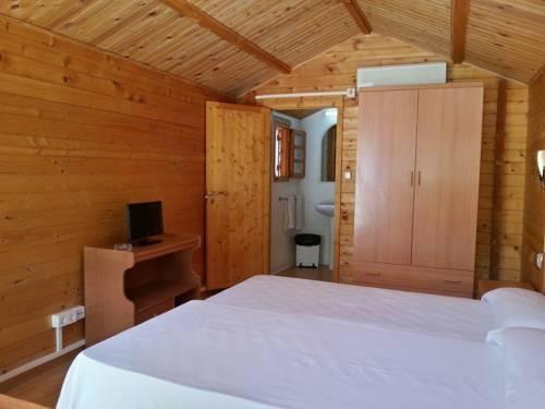 Despedidas Benidorm, interior cabañas de madera para 2 y 3 personas.