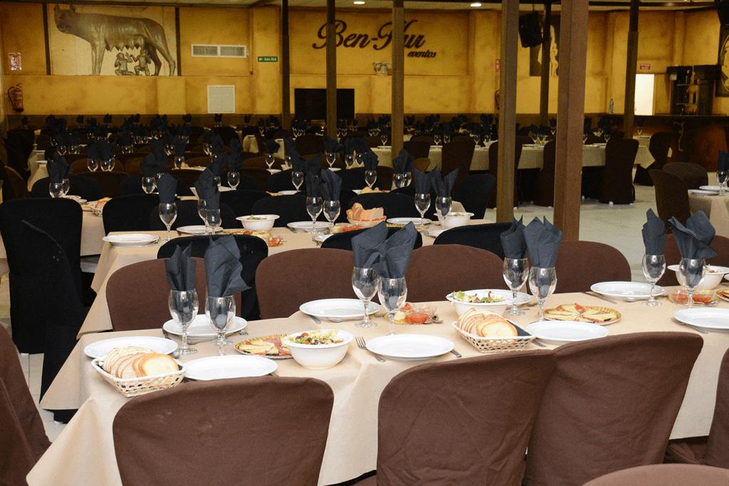 Despedidas Farley Benidorm, cena en restaurante tematico Ben-Hur