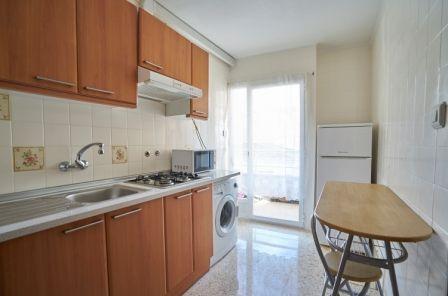 Apartamentos Maja en Benidorm, cocina.
